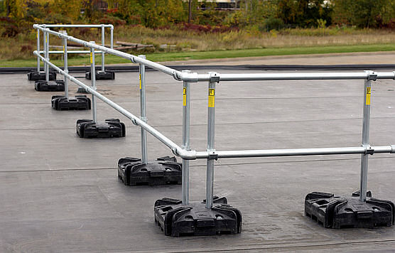 Temporary Guardrail Rentals Are Ideal During Roof Replacement or Repair