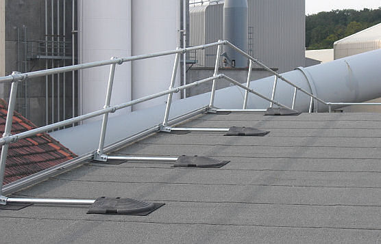 Renting Rather Than Buying Roof Edge Rail Systems Is Best For Short-Term Projects