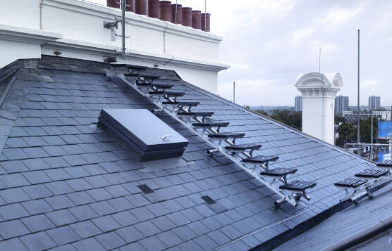 Kee Walk Anti-Slip Modular Roof Walkway For Sloped Rooftops