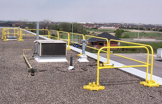 BlueWater Manufacturing Hatch Defender Rooftop Railing Combined With Safety Rail 2000