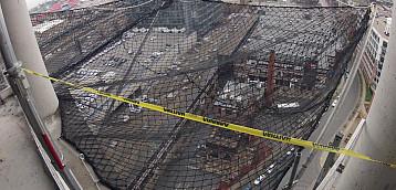 Same-Floor Horizontal Perimeter Debris Netting Installation