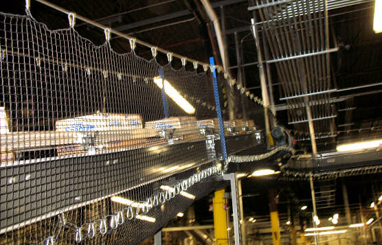Glass Bottle Conveyor Containment Netting For Beverage Manufacturer Distribution Center